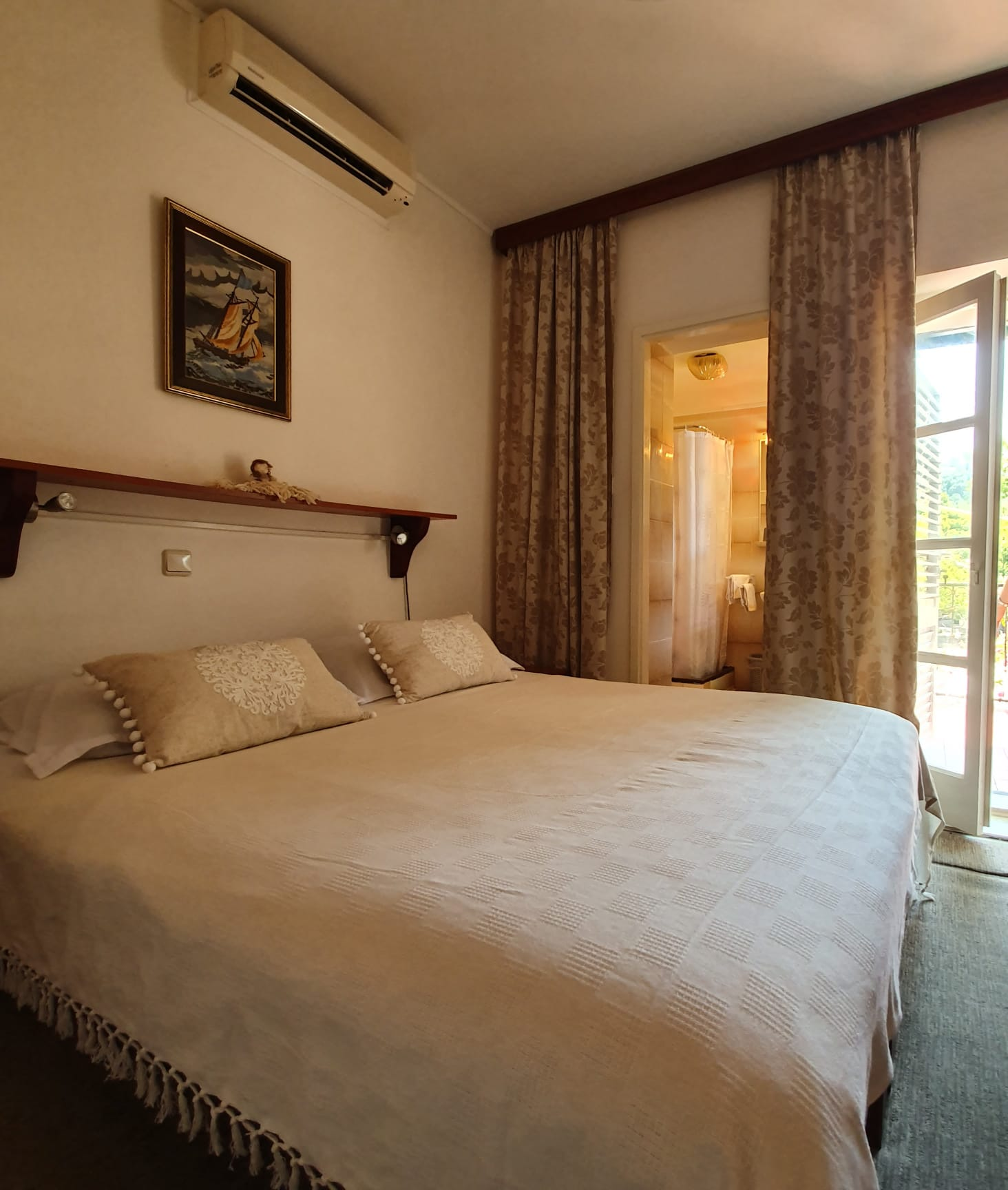 Room-1-5